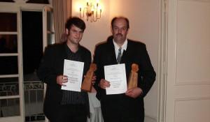 Jahrgangsbester Azubi Thomas Brosi mit seinem Ausbildungsmeister Werner Brosi bei der Oscar-Verleihung der Oscar-Walcker-Schule Ludwigsburg